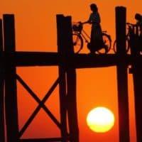 BurmaMyanmar_footbridge-sunset